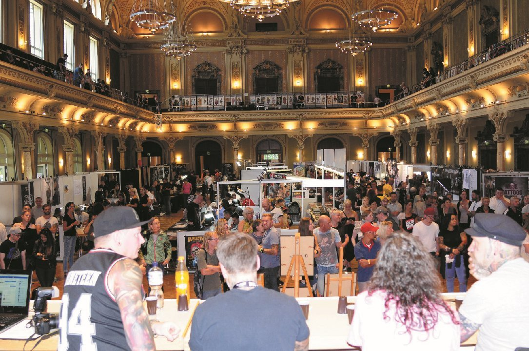 Tattoo Convention, People