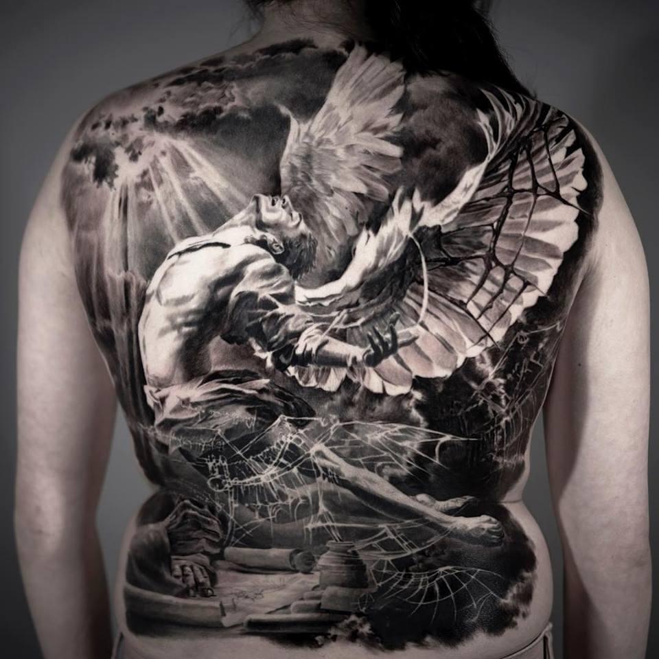 Rücken männer kleine tattoos 31+ atemberaubende,