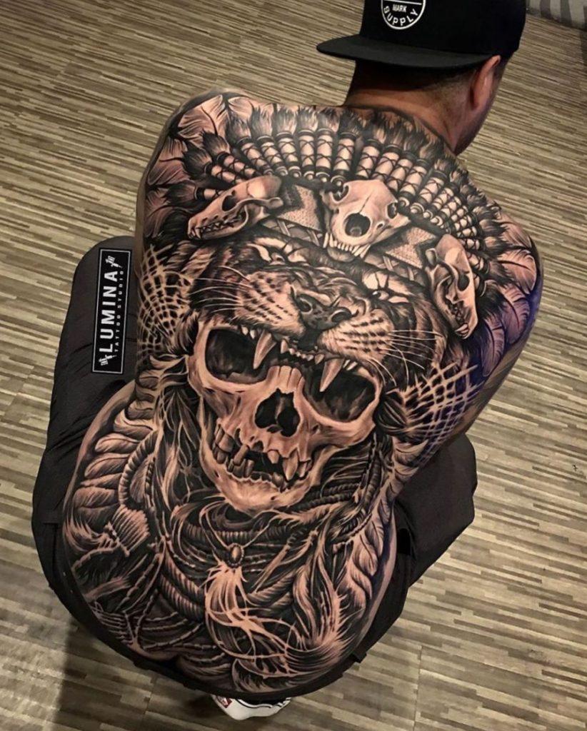 20 schrille Black & Grey Motive für mutige Männer - Tattoo